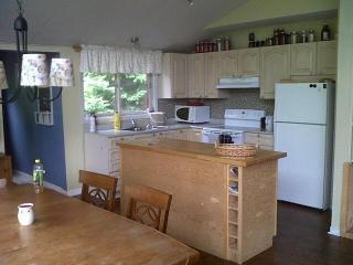 Lovely Cottage with Dishwasher and Refrigerator - Eugenia vacation rentals
