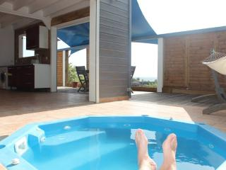 TERRATHELY, vue mer, piscine privative - Le Moule vacation rentals