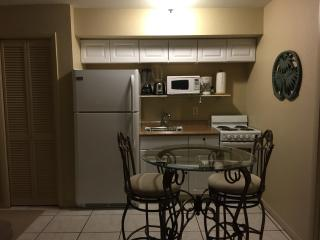 Cozy beach cottage 1/2 blk from beach NEW - Fort Myers Beach vacation rentals