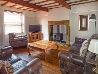 HOBBITON, holiday cottage with a garden in Haworth, Ref 12569 - Haworth vacation rentals