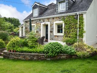 BERIAN CROSS, superb detached cottage, three bedrooms, woodburning stove, enclosed patio, dog friendly, near Newport Sands, Ref 14417 - Pembrokeshire vacation rentals