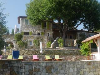 La Bastide, Montauroux, 5+ ensuite bedrooms, 2 adjoining bunk rooms for kids - Montauroux vacation rentals