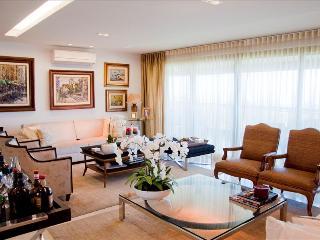 Amazing 4br Apartment Barra da Tijuca i03.050 - Lumiar vacation rentals