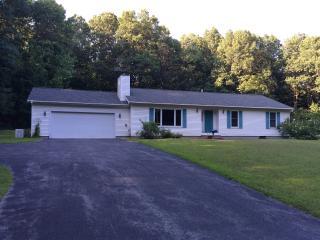 Near Saratoga Lake & 9P Bridge - Saratoga Springs vacation rentals