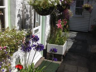 Cornish cottage in Medieval town - Penryn vacation rentals
