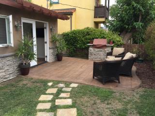 Monthly stays 3 blocks from beautiful beach - Redondo Beach vacation rentals