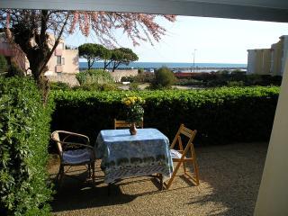 F2 cabine RDC avec terrasse la corniche Sète (34) - Sete vacation rentals