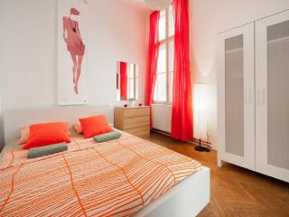 5 bedroom Apartment with Internet Access in Budapest - Budapest vacation rentals