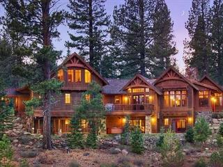MorningStar -  Deluxe 5 BR w/ Hot Tub & Sauna. HOA Pool & Close to Skiing! - Truckee vacation rentals