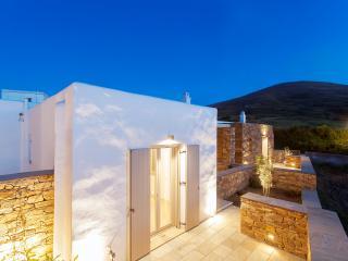 Nice 2 bedroom Villa in Tinos Town - Tinos Town vacation rentals