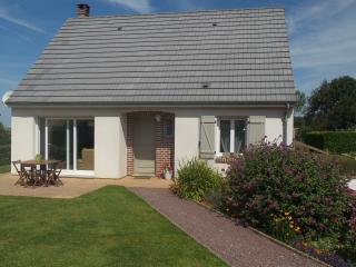 Adorable 1 bedroom Vacation Rental in Woignarue - Woignarue vacation rentals