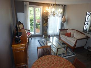 2 bedroom Apartment with Internet Access in Bailly-Romainvilliers - Bailly-Romainvilliers vacation rentals