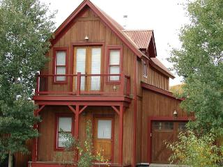 Great 3 Bedroom in Pitchfork! 5th night free! On shuttle route! - Crested Butte vacation rentals