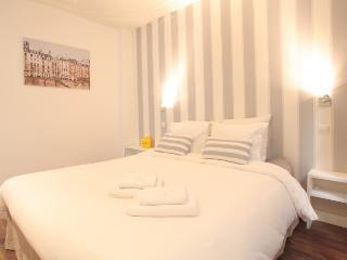 Bright Condo with Internet Access and Television - Paris vacation rentals