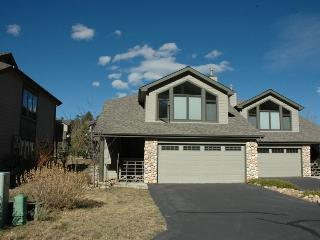 Beautiful 3 bedroom Condo in Estes Park - Estes Park vacation rentals