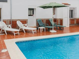 2 bedroom Cottage with Internet Access in Fuente de Piedra - Fuente de Piedra vacation rentals