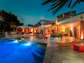 Luxurious 5 Bedroom Villa - Terres Basses vacation rentals