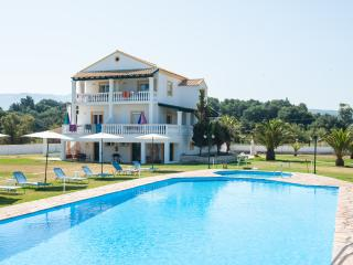 Corfu Sea Palm Residence Appartement Mango - Roda vacation rentals