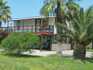 2 bedroom House with Deck in Galveston - Galveston vacation rentals