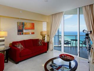 Cozy 1 Bedroom Oceanfront Apartment in Sunny Isles - Coconut Grove vacation rentals