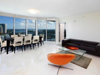Spacious 2 Bedroom Apartment in Sunny Isles - Miami vacation rentals