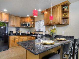 Welcome Home to Melrose Place - San Jose vacation rentals