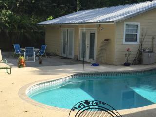 La Casa Pequena Pool House - Lido Key vacation rentals
