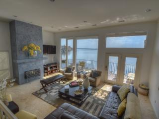 Luxurious Horseshoe Bay Lakefront Property - Horseshoe Bay vacation rentals