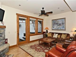 Bright 5 bedroom House in Stowe - Stowe vacation rentals