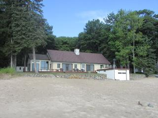 Nice 3 bedroom House in Tawas City - Tawas City vacation rentals