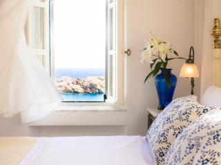 Comfortable 2 bedroom House in Agios Sostis - Agios Sostis vacation rentals