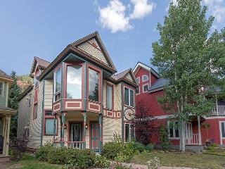 Bachman Village 26 - 4 Bd/ 3 Ba Telluride West End Home, Sleeps 10 - Located Downtown Telluride 1 block from Lift 7 and Clark`s Market - Telluride vacation rentals