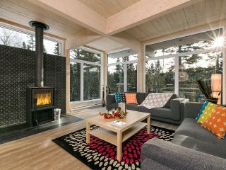 Bright 4 bedroom Vacation Rental in Petite-Riviere-Saint-Francois - Petite-Riviere-Saint-Francois vacation rentals