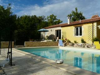 2 bedroom Gite with Internet Access in Gindou - Gindou vacation rentals