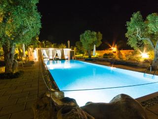 Exclusive and Luxurious Farmhouse - Carpignano Salentino vacation rentals
