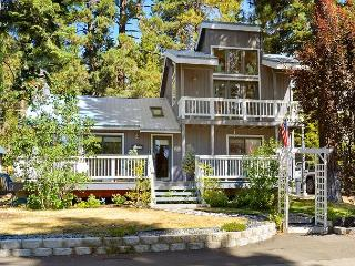 3BR Lakehouse – Walk to the Beach, Then Soak in Your Hot Tub - Carnelian Bay vacation rentals