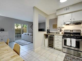 2BR/1.5BA Renovated Austin Townhouse, Walk to South Lamar, Sleeps 6 - Austin vacation rentals