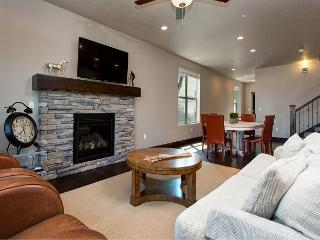 5BR Mountain Luxury in Park City – Sleeps 9 - Kamas vacation rentals