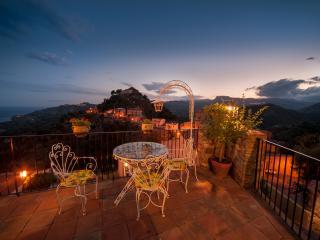 "Savoca, uno tra i ""Borghi  più belli d'Italia"" - Savoca vacation rentals"