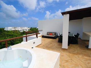 HIRA PH2 Luxury TAO Inspired 2Bdrm/2bth Penthouse with Jetted Tub - Akumal vacation rentals