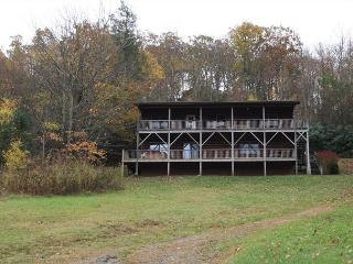 Mountain Outlook 4 bedroom cabin overlooking the mountains - Boone vacation rentals