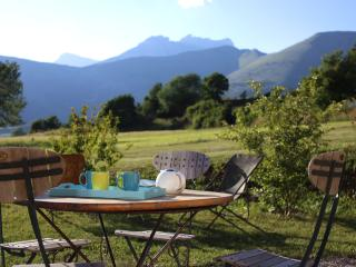 Gorgeous Gite with Television and Grill in La Roche-des-Arnauds - La Roche-des-Arnauds vacation rentals