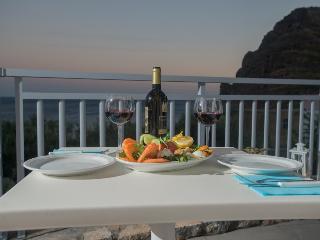 Spacious Resort with A/C and Balcony in Lentas - Lentas vacation rentals