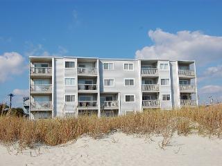 Spacious 2 bedroom, 2 bath direct oceanfront condo. - North Myrtle Beach vacation rentals