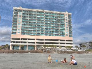 Splendid oceanfront retreat in a family friendly area - North Myrtle Beach vacation rentals