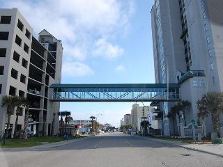 1st floor uniySpacious 4 bedroom, 3 bathroom, direct oceanfront condo - North Myrtle Beach vacation rentals