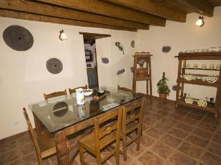 Landhaus des Liedes - Haus A - Valleseco vacation rentals