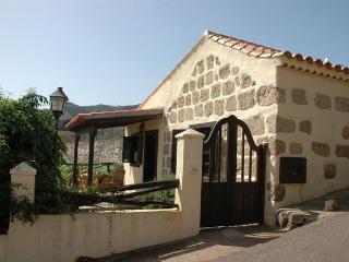 Landhaus der Pferde - Vega de San Mateo vacation rentals