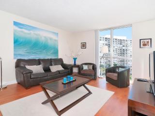 Cozy 2 bedroom Condo in Bay Harbor Islands - Bay Harbor Islands vacation rentals