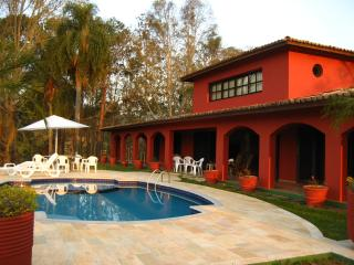 Linda Casa Vista Cinema Represa Piscina 40 min SP - Santa Isabel vacation rentals